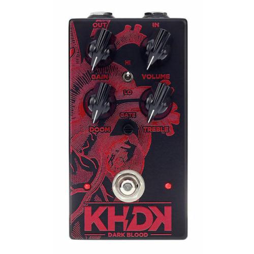 KHDK - Dark Blood torzítópedál gitárhoz, szemből